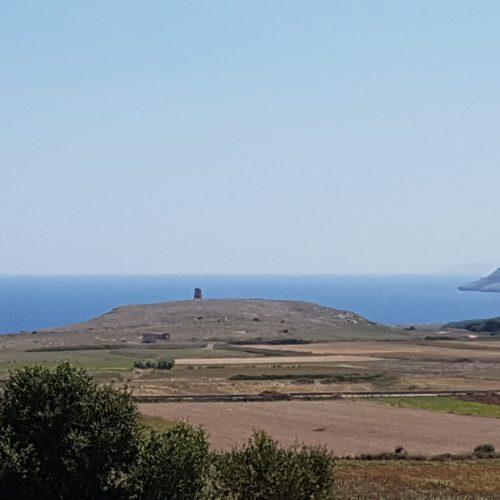 Torre Sant'Emiliano al centro del panorama