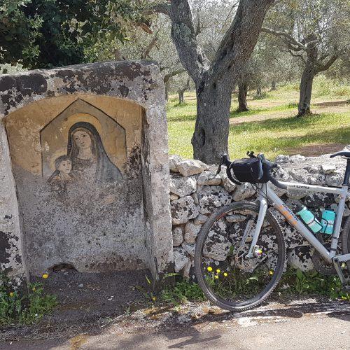 Una Madonna rupestre vicino Palmariggi